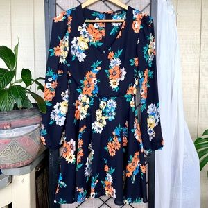 dee elle Long Sleeved Floral Dress Small